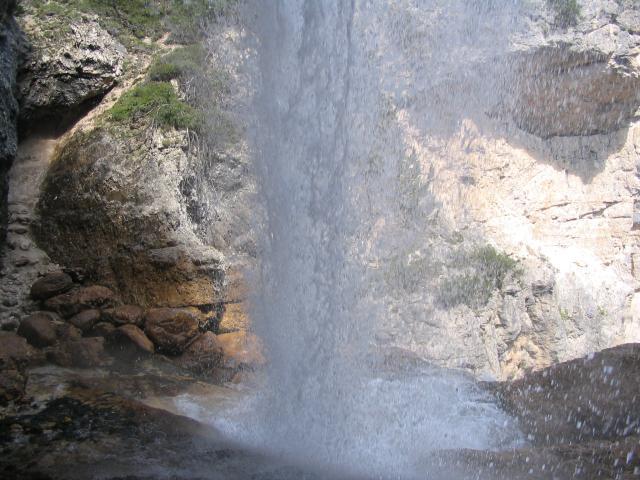 Ferrata barbara cascate fanes ponte outo lido capoverde for Laghetto con cascata