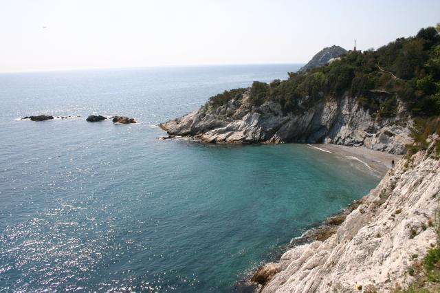 Matrimonio Spiaggia Bergeggi : Isola bergeggi e punta predani